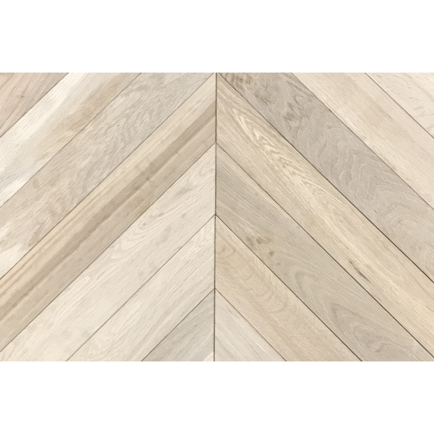 15/4 x 90 x 600  Engineered Oak | Chevron 45degree | Smoked & Bandsawn | Grade ABCD class=