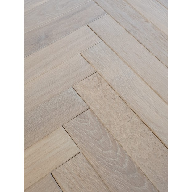 15/4 x 70 x 350  Engineered Oak Brushed & Oiled class=