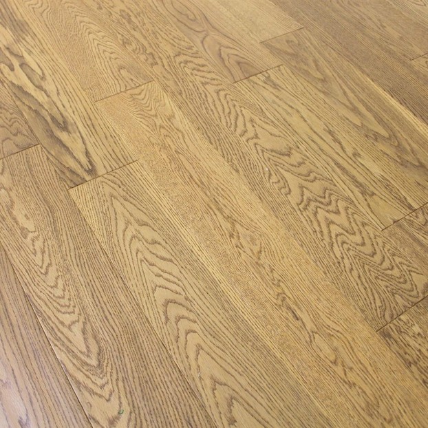 125mm Golden Handscraped Lacquered Oak | 18/5 Engineered Range class=