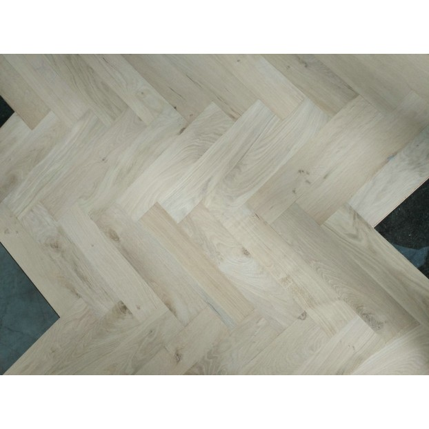 Engineered Herringbone 18/4x90x400mm Classic Unfinished (square edges) class=