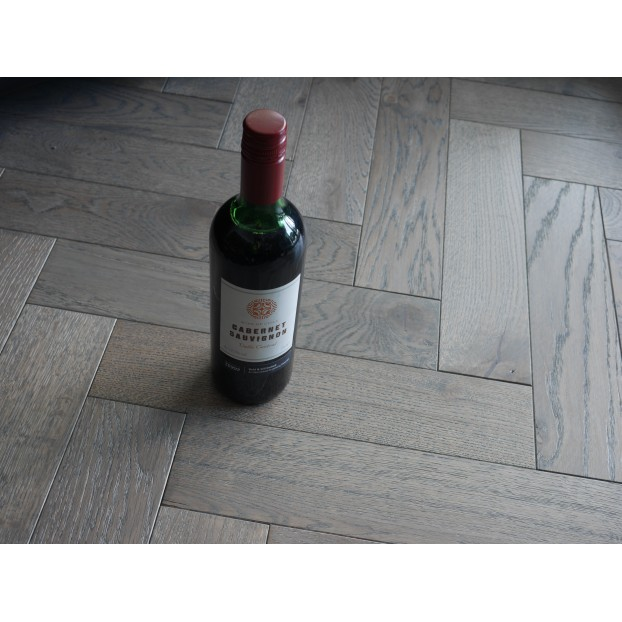 Engineered Herringbone 18/4x90x400mm Grey Hard Wax Oiled class=