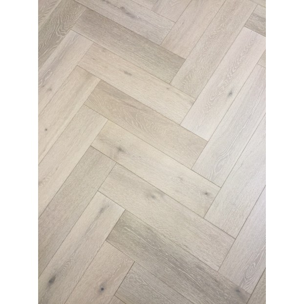 Engineered Herringbone 14/3x150x600mm White Washed, Brushed and Matt Lacquered class=