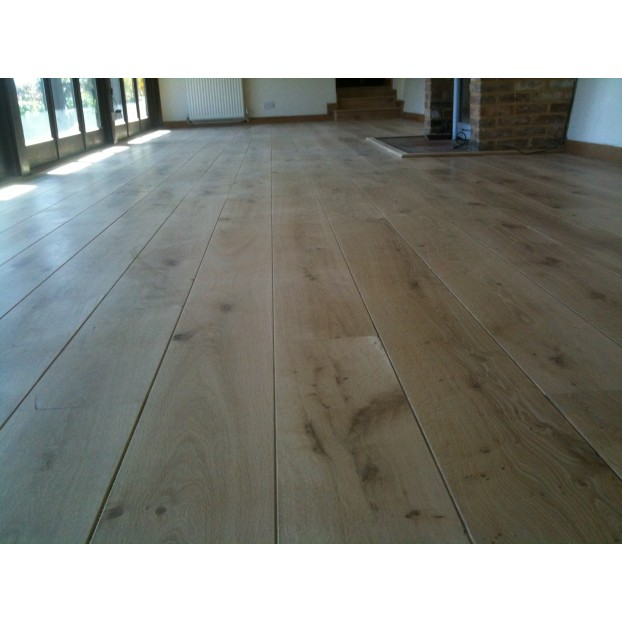 Solid French Oak Flooring | 22 x 240mm | Micro Bevelled-Unfilled Knots-Character class=