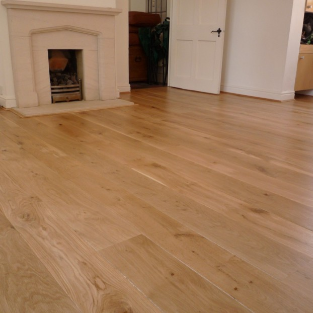 Solid French Oak Flooring | 22 x 140mm | Square Edged-Filled Knots-Rustic class=